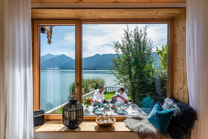 Seeheimat living room Liserl with a view of the Schliersee